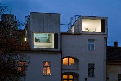Residential containers, Prague - foto: Ester Havlová