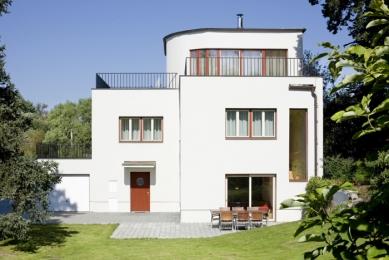 Rekonstrukce funkcionalistické vily - foto: Vavřinec Menšl