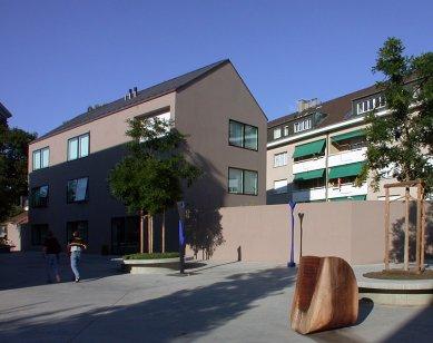 Dva bytové domy Singeisenhof - foto: Petr Šmídek, 2002