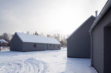 Rodinné domy v Běstvině - foto: © Andrea Lhotáková