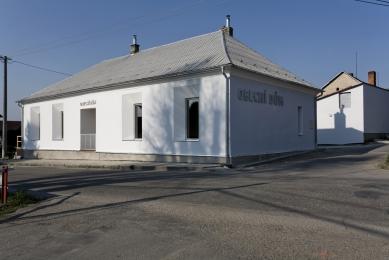 Obecní dům v Lukovečku - foto: TOAST