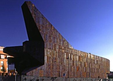 Farní kostel svaté Moniky - Fotografie z průběhu stavby - foto: © Vicens & Ramos