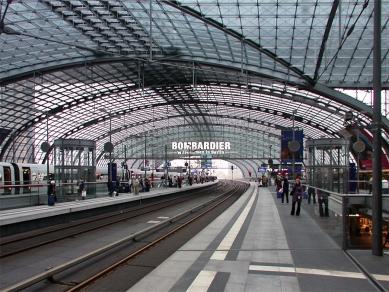 Lehrter Bahnhof - foto: Petr Šmídek, 2006