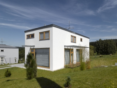 3 rodinné domy v Dobré Vodě u Českých Budějovic - foto: Filip Šlapal