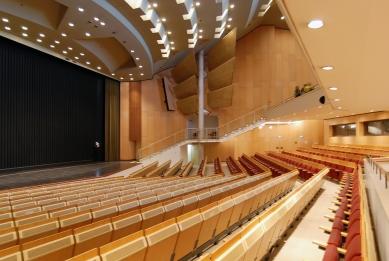 Městské divadlo ve Wolfsburgu - foto: Petr Šmídek, 2012