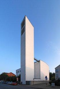 Farní kostel St.Fronleichnam - foto: Petr Šmídek, 2009