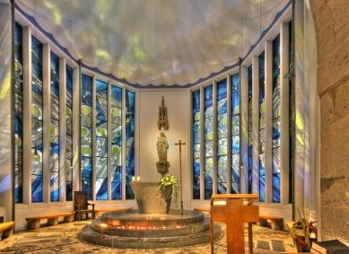 Kolumba - Vnitřní prostor kaple Madona v troskaách od Gottfrieda Böhma z roku 1950. - foto: Elke Wetzig