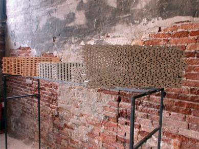 Kolumba - Přípravné práce na projektu zabraly celých šest let a jejich výsledky byly také vystaveny na 8. bienále architektury v Benátkách. - foto: Petr Šmídek, 2002