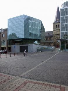 Hudební škola v Heerlen - foto: Petr Šmídek, 2003