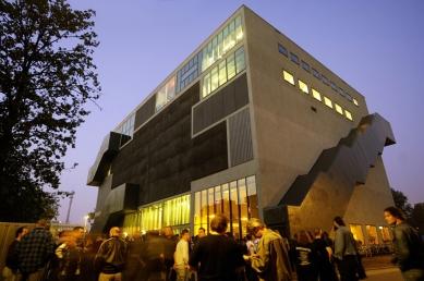 De Effenaar Pop Centre - foto: Bart van Overbeeke - www.bvof.nl