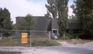 Mateřská škola Neue Welt Schule - foto: Jan Kratochvíl, 2001