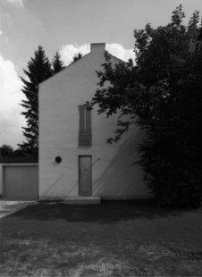 House in Roetgen near Aachen - Pohled z ulice - foto: Vladimír Špaček