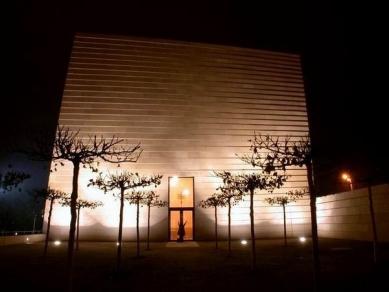 Nová synagoga v Drážďanech - foto: Petr Šmídek, 2001