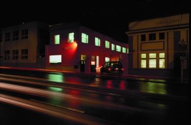 Továrna Fastherm - foto: Ester Havlová, Filip Šlapal