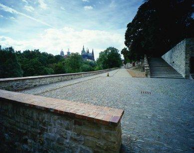 Cesta pod Královskou zahradou, Pražský hrad - foto: Filip Šlapal