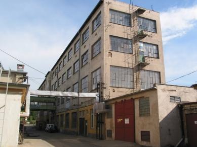 Přestavba tovární budovy AF BKK - Původní stav - foto: caraa
