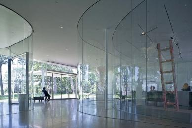 Skleněný pavilon muzea umění v Toledu - foto: © Iwan Baan / www.iwan.com