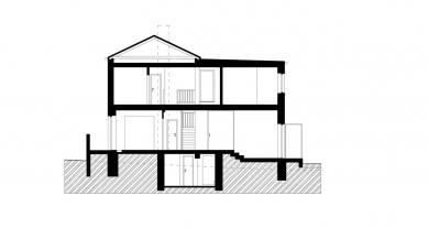 Rekonstrukce a dostavba rodinného domu v Jevanech - Řez A