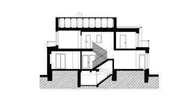 Rekonstrukce a dostavba rodinného domu v Jevanech - Řez B