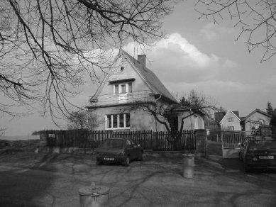 Rekonstrukce a dostavba rodinného domu v Jevanech - Původní stav - foto: Archiv autorů