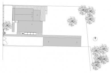 Rekonstrukce a dostavba rodinného domu v Jevanech - Situace