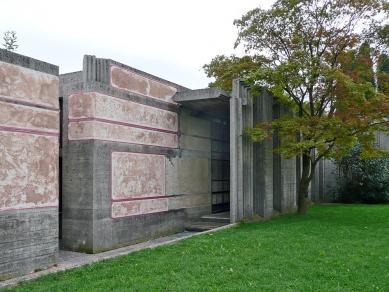 Hřbitov rodiny Brion-Vega - foto: Radek Suchánek, 2010
