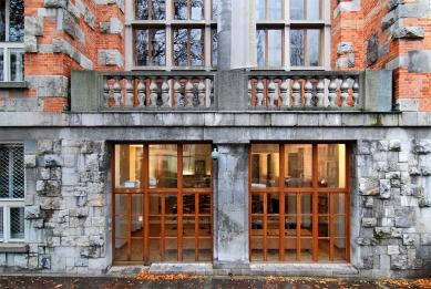 Slovinská národní a univerzitní knihovna - foto: Petr Šmídek, 2007