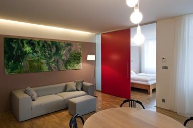 Interiér bytu - Vila Kunzova, Brno - Průhled do ložnice - foto: Štěpán Vrzala