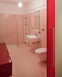 Interiér bytu - Vila Kunzova, Brno - Koupelna - foto: Štěpán Vrzala