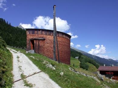 Kaple svatého Benedikta - foto: Petr Šmídek, 2002