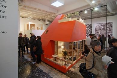 12. Bienále v Benátkách - TOKYO METABOLIZING: japonský pavilon (kurátor: Ryue Nishizawa, Yoshiharu Tsukamoto; komisař: Ko Kitayama) - foto: Petr Šmídek, 2010