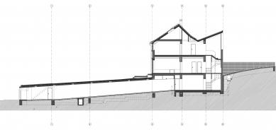 Přestavba a dostavba rodinného domu v Praze - Řez AA