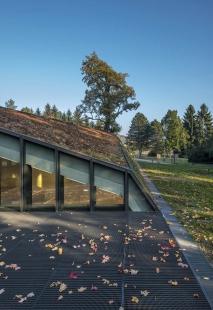 Krkonošské centrum environmentálního vzdělávání (KCEV) - Venkovní terasa - foto: Benedikt Markel