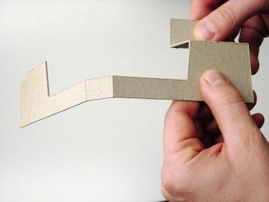 Folded Corten House - Skládání modelu - foto: x architekten