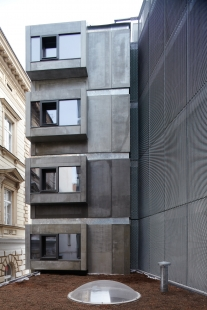 Bytový dům s tělocvičnou - foto: Andrea Thiel Lhotáková