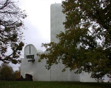 Mariánská kaple Notre-Dame du Haut - foto: Petr Šmídek, 2003