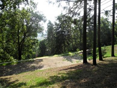 Obnova lesoparku v Novém Lískovci v Brně - Průsek v lesoparku - foto: Petr Drápal