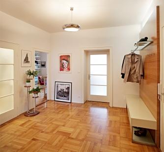 Interiér bytu v ulici Střední - Brno - Vstupní hala - foto: Štěpán Vrzala