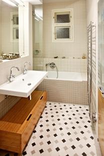 Interiér bytu v ulici Střední - Brno - Koupelna - foto: Štěpán Vrzala