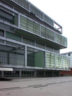 Obchodní a průmyslová komora - foto: Petr Šmídek, 2006