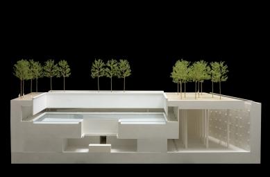 Národní památník 11. září - foto: Model vítězného soutěžního návrhu, který ještě počítal s průběžným ochozem v podzemí.