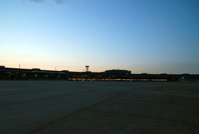 Mezinárodní letiště Berlín-Tempelhof - foto: Petr Šmídek, 2010