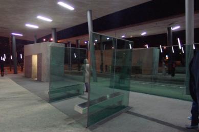 Parkoviště a konečná stanice Hoenheim-sever - foto: Milena Kubiszová, 2004