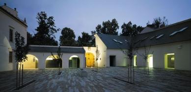 Arcidiecézní muzeum - Hospodářský dvůr - foto: Ester Havlová
