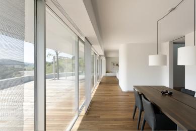Dům ve svahu - foto: Froelich & Hsu Architekten