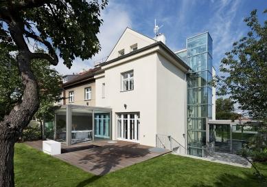 Rekonstrukce a přístavba rodinného domu na Smíchově - foto: Ester Havlová