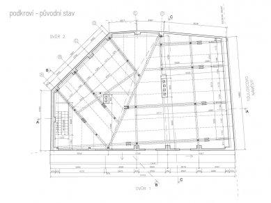 Rekonstrukce bytového domu v Litomyšli - Půdorys podkroví - původní stav - foto: ellement