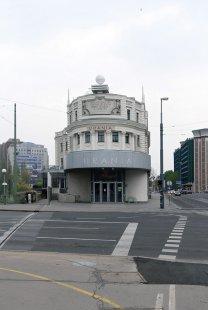 Palác Urania - foto: Petr Šmídek, 2008
