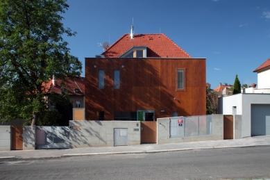 Rodinný dům v Blatovské ulici - foto: Robert Žákovič