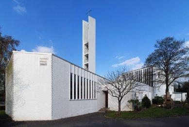 Kostel svatého Ducha v Klieversberg - foto: Petr Šmídek, 2012